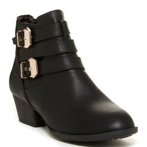 Top Moda, Buckled Booties